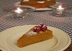 Karamell kladdekake - Dette er en utrolig rask og enkel kake å bake. Karamell kladdekake er en saftig og søt kake med mild karamell smak. French Toast, Cheesecake, Breakfast, Desserts, Food, Caramel, Morning Coffee, Tailgate Desserts, Deserts