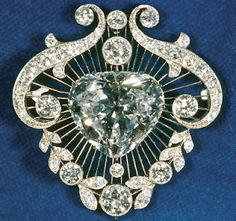The Heart-Shaped Brooch which was a gift from the South African government to Queen Mary of England.