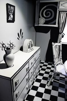 Black and White Room Meow Wolf - Things to do in Santa Fe - New Mexico - Southwest Discovered