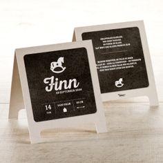 Presenteer de geboorte van jullie kleintje op een originele manier met deze krijtbordstaander.Originele vormDubbele kaartKlik op 'Maak je kaart' en ontwerp je eigen creatie.