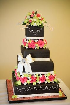 The Cake Engineer: Wedding Cake Competition-- Finally! Black Wedding Cakes, Beautiful Wedding Cakes, Gorgeous Cakes, Pretty Cakes, Amazing Cakes, Fondant Cakes, Cupcake Cakes, 3d Cakes, Fondant Bow