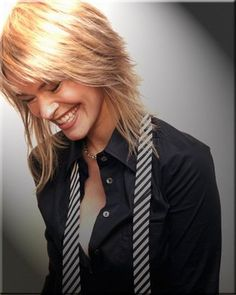See the latest images for Leisha Hailey. Listen to Leisha Hailey tracks for free online and get recommendations on similar music. Medium Shag Haircuts, Long Shag Haircut, Shag Hairstyles, Scene Hairstyles, Short Blonde, Blonde Hair, Medium Hair Styles, Short Hair Styles, Leisha Hailey