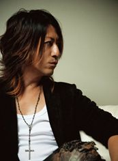 TAKURO interview / 2013.07.04 / web R25