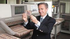 Banxico, una fábrica de 1,300 millones de billetes Breast, Suit Jacket, Study, Suits, School, Jackets, Fashion, Finance, Magick