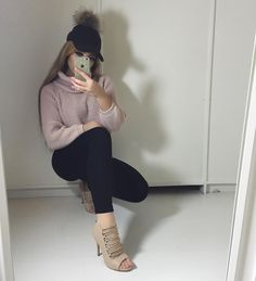 Name: Calista niea Age: 16 Casual Outfits, Cute Outfits, Fashion Outfits, Fall Winter Outfits, Autumn Winter Fashion, Fall Fashion, Selfies, Vogue, Ootd