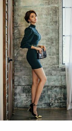 sexy Pics List of Hot Near Photos Sexy Girl Fashion Models, Girl Fashion, Fashion Outfits, Womens Fashion, Belle Silhouette, Modelos Fashion, Girls In Mini Skirts, Beautiful Asian Women, Sexy Asian Girls