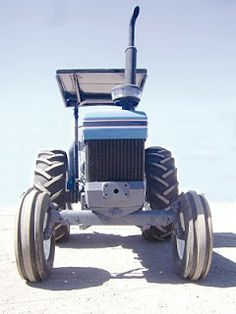 MAQUINARIA AGRICOLA INDUSTRIAL: Tractor Ford 7610 por $15000 dlls.fz44 Tractors, Industrial, Vehicles, Ford Tractors, Combustion Engine, Tractor, Industrial Music, Vehicle
