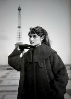 Brigitte Bardot & la tour eiffel ☮k☮