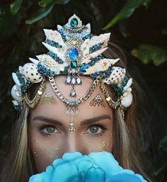 The Queen of the Sea Crown- Mermaid Crown - Shell Crown - Crystal Crown - Bridal Crown - Pre-order/made to order Festival Looks, Sea Crown, Seashell Crown, Shell Crowns, Mermaid Crown, Mermaid Princess, Crystal Crown, Circlet, Halloween Disfraces