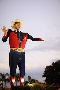 great photo of Big Tex prior to fire