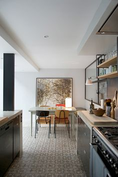 An Industrial Dining Room Style For The Stars! Kitchen Interior, Kitchen Decor, Cocinas Kitchen, Cuisines Design, Vintage Home Decor, Vintage Style, Cheap Home Decor, Cool Kitchens, Sweet Home