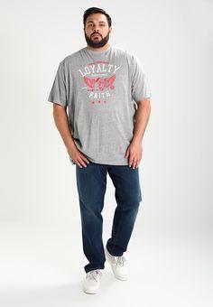 ¡Consigue este tipo de camiseta estampada de Loyalty & Faith ahora! Haz clic para ver los detalles. Envíos gratis a toda España. LOYALTY & FAITH B&T WINGS Camiseta print grey marl: LOYALTY & FAITH B&T WINGS Camiseta print grey marl Ropa   | Material exterior: 90% algodón, 10% viscosa | Ropa ¡Haz tu pedido   y disfruta de gastos de enví-o gratuitos! (camiseta estampada, printed, print, estampada, estampado, t-shirt mit druckmotiv, playera estampada, t-shirt à motifs, maglietta stampata)...