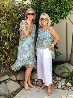Spring Trends to Try in 2019 — This With This Over 60 Fashion, Over 50 Womens Fashion, Fashion Over 50, Summer Outfits Women, Spring Trends, Casual Looks, Fashion Outfits, Clothes For Women, Style