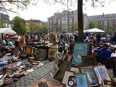 """""""Le Marché de la Place du Jeu de Balle"""" Bruxelles. Everyday flea market but more atmosphere in sundays. A lot of rubbish and a few good deals."""
