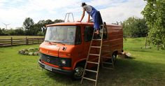 The two friends Paul and Fabian from Passport Diary are striving to fulfil their dream: a journey to Siberia in their Mercedes-Benz 407 D. Vw T4 Camper, Camper Van, Van Home, Der Bus, Diy Camping, Motorhome, Mercedes Benz, Tiny Homes, Buses