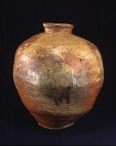 Title Large Jar Provenance Shigaraki kiln, Shiga pref. Period Muromachi period Century 15-16c Materials Shigaraki ware Dimensions H-48.5 D-42