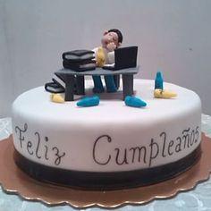 #Cake #torta #pastel #bizcocho #crema #fondant #abogado #contador #profesional…