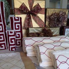 Natal na Bordal!! Conjuntos de toalhas turcas com barras de linho bordadas. #bath #handmade #bordal #madeiraembroidery