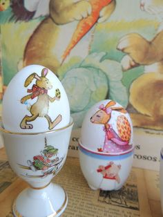 Más Huevos de Pascua, Decoupage y Hueveras...More Decoupage, Easter Eggs and Egg-Cups