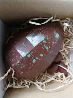 Diamond Egg (milk) Hazelnut Praline, Easter Wishes, Baby Chicks, Christmas Bulbs, Milk, Eggs, Shapes, Diamond, Holiday Decor