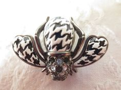 houndstooth bee pin