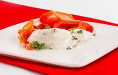 Pomodori appassiti in forno con ricotta al timo  Un secondo gustoso e leggero da preparare con le ricottine light Granarolo. Con il 50% di grassi in meno rispetto alla Ricotta Granarolo classica. Consigliate per chi vuole restare in forma senza rinunciare a nutrimento e gusto, http://www.granarolo.it/Ricette/Pomodori-appassiti-in-forno-con-ricotta-al-timo