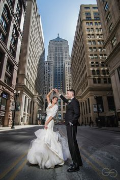 Fantastic chicago wedding photo by Greyes Photography.