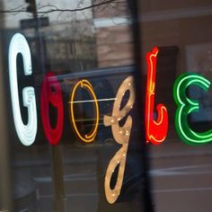 World from Berlin: A 'Clear Defeat' for Google    A German high court has ruled that Google must remove automatically suggested search terms if they violate a person's privacy.   www.netkaup.is