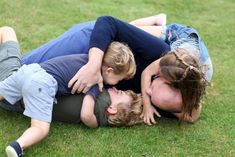 Prince William Snuggles With George, Charlotte, Louis: New Photos Prince William Birthday, Happy Birthday Prince, Kate Und William, Prince William And Catherine, Prince William Family, Prinz Charles, Prinz William, Prince Georges, Elizabeth Queen