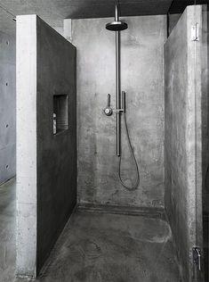 Rustic Bathroom Designs, Bathroom Interior Design, Modern Bathroom, Minimalist Bathroom, Concrete Shower, Concrete Bathroom, Bathroom Faucets, Upstairs Bathrooms, White Bathrooms