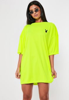 Playboy X Missguided Lime Repeat Back Slogan T Shirt Dress. Order today & shop it like it's hot at Missguided. Slogan T Shirt Dress, Sweat Shirt, Shirt Outfit, Quirky Fashion, Korean Fashion, Missguided Outfit, Estilo Beyonce, Mode Outfits, Fashion Outfits