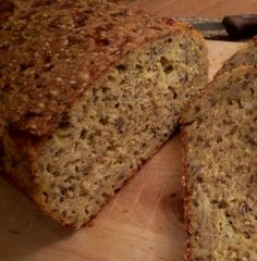 Wet and moist banana bread made from whole wheat flour. it's easy to make and can be a great side cake by the coffee or eaten as is like a bread. Baby Food Recipes, Low Carb Recipes, Moist Banana Bread, Norwegian Food, Recipe Boards, Low Carb Bread, Pampered Chef, How To Make Bread, Soul Food