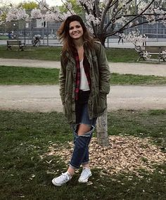 Carmilla & Laura are Lesbians Carmilla And Laura, Carmilla Series, Elise Bauman, For Elise, Use E Abuse, Lovely Smile, Cold Weather Outfits, Tomboy Fashion, Celebs