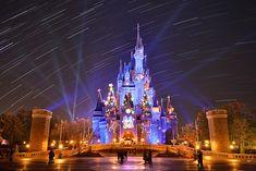 東京ディズニーリゾート~ある日の一枚~ Disney Resorts, Disney Parks, Disney Pixar, Walt Disney, Space Mountain, Park Photos, Disney Dream, Magic Kingdom, The World's Greatest