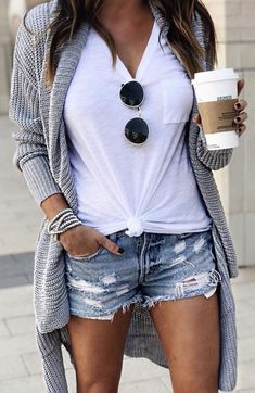 45 Amazing summer outfits to get ASAP - Kleidung für Frauen - Fashion Outfits Mode Outfits, Fashion Outfits, Fashion Shorts, Fashion Ideas, Blazer Fashion, Sweater Fashion, Fashion Clothes, Athleisure Fashion, Fashion 2018