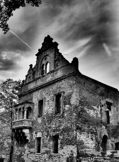 Lost in time. Big Photo, Abandoned Buildings, Hdr, The Past, Lost, Explore, Shadows, Darkness, Ombre