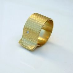 18K Solid Gold Ring with Diamond - rutha jewelry