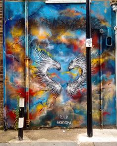 The wings of Fénix @arty.city #streetart #artstreet #arteurbano #shoreditch #london