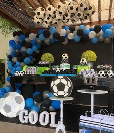 Today you will learn to organize and decorate the best children's party with a soccer theme, because we attach an idea for every detail. Decoration of a Soccer Birthday Parties, Football Birthday, Soccer Party, Sports Party, Dad Birthday, Birthday Ideas, Soccer Baby Showers, Baby Boy Shower, Cheer Banquet