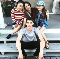 Znalezione obrazy dla zapytania lana condor and israel broussard Lara Jean, I Still Love You, I Fall In Love, Phoebe Tonkin, Movies Showing, Movies And Tv Shows, Love Movie, Movie Tv, Jenny Han Books