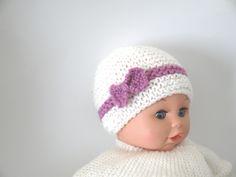 Bonnet en laine Naissance Fille Blanc et Violet layette noeud - tricoté main b846443d953