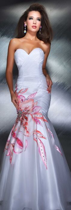 Mac Duggal Stapless Mermaid Gown 2013..Beautiful for a Resort or Beach Wedding
