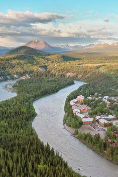 Denali Park Village + Where to Stay in Denali National Park, Things to Do, and Where to Eat // Local Adventurer North To Alaska, Visit Alaska, Glacier Bay National Park, Katmai National Park, Alaska Travel, Travel Usa, Denali Alaska, Parks, Kenai Fjords