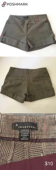 Twenty one plaid shorts size Small Plaid shorts. Black, red and tan plaid. With pink button. twenty one Shorts