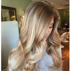 """""""* Highlights & honey ... @saloncouture_ny""""  We are crazy about this look. Come stop by #TopLevelSalon for this gorgeous look. Check us out on Instagram and Facebook @ TopLevelSalon"""
