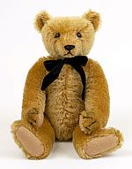 This Free Teddy Bear pattern would be such a cute way to save a child's first baby blanket.