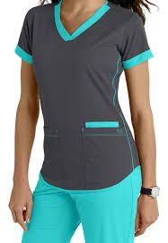 Women's scrub tops made from soft materials, designed to keep you cool and fresh all day. Choose from a variety of scrub top styles at Scrubs & Beyond. Scrubs Outfit, Scrubs Uniform, Dental Uniforms, Scrubs Pattern, Cute Scrubs, Medical Scrubs, Nursing Scrubs, Vet Tech Scrubs, Dental Scrubs
