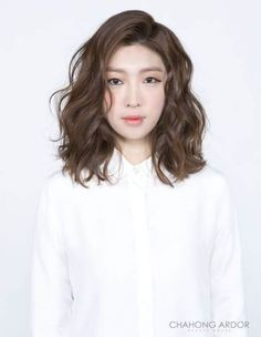 Hair wavy perm medium lengths best Ideas Hair wavy perm medium lengths best Ideas,Hair… Hair wavy perm medium lengths best Ideas Related posts:Images and videos of Bucket list - Fall. Medium Hair Cuts, Medium Hair Styles, Curly Hair Styles, Medium Cut, Medium Layered, Short Styles, Digital Perm Short Hair, Puffy Hair, Short Wavy Hair
