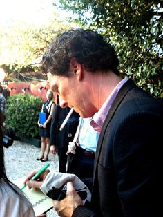 Benedict Cumberbatch promoting Sherlock in Greece...I just want to rip that cigarette out of his mouth though!! Stop smoking Benedict!!