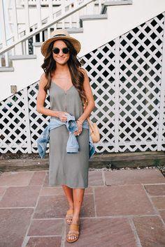 0d893a143b8 slip dress + slide sandals for spring Florida Outfits